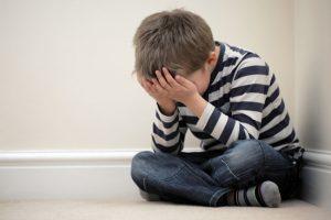 Sofferenze dei bambini procurate da separazioni e divorzi.